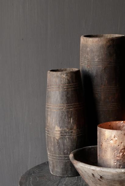 Uniek oud houten vaas zonder bodem