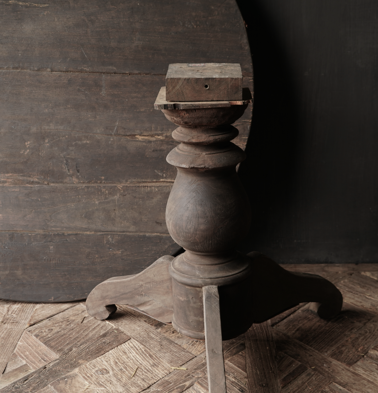 Stoer Robuust ronde tafel gemaakt van oud gebruikt hout-3