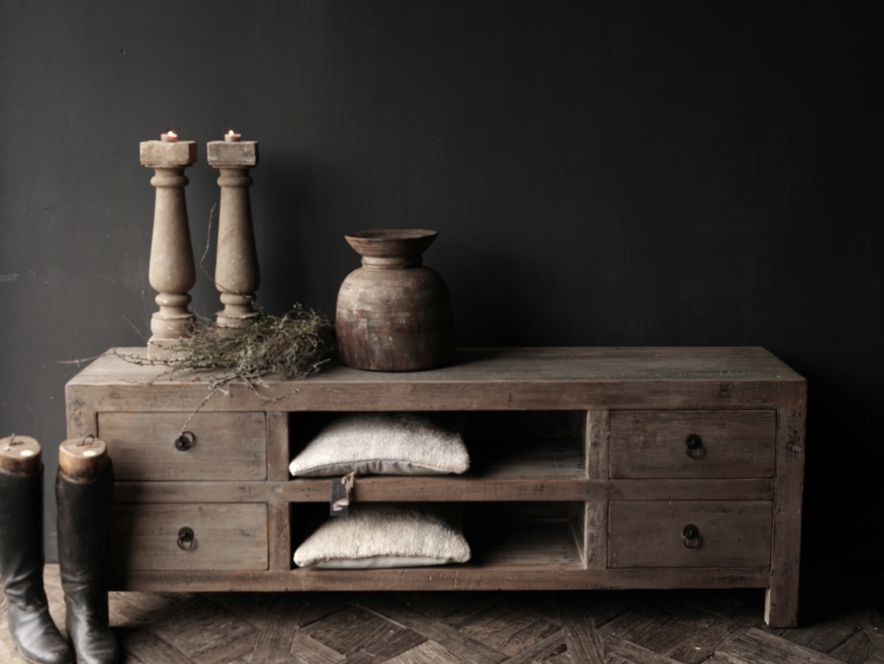 Beautiful sturdy wooden sideboard / TV cabinet / TV cabinet-2