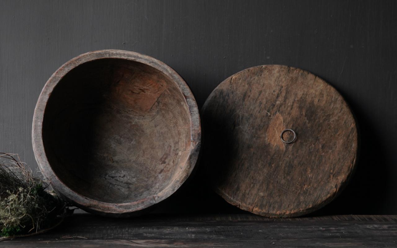 Oude Authentieke houten schaal met deksel-2
