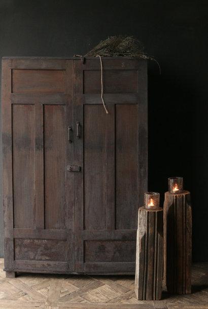 Einzigartiger antiker altindischer zweitüriger Schrank