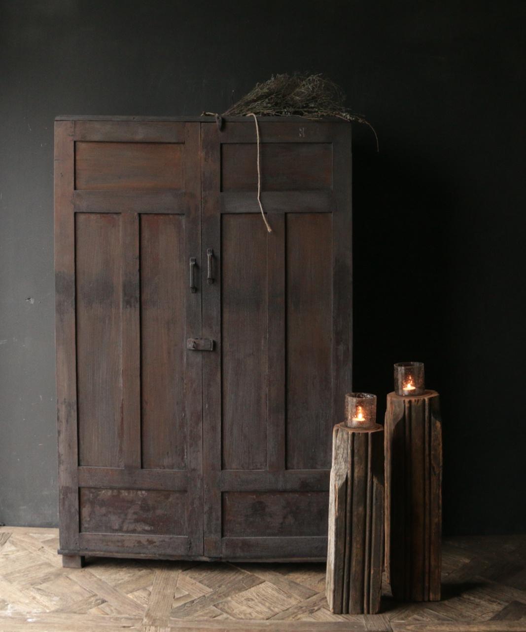 *Gereserveerd* Uniek Antiek Oud Indisch tweedeurs kast-1