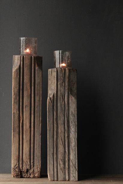 Hölzerner Kerzenhalter aus alter indischer Säule