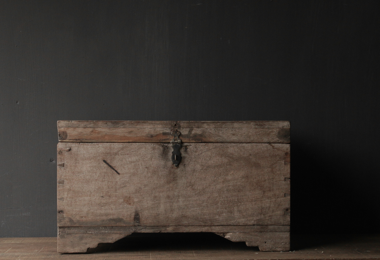 Oude Authentieke houten kist-4