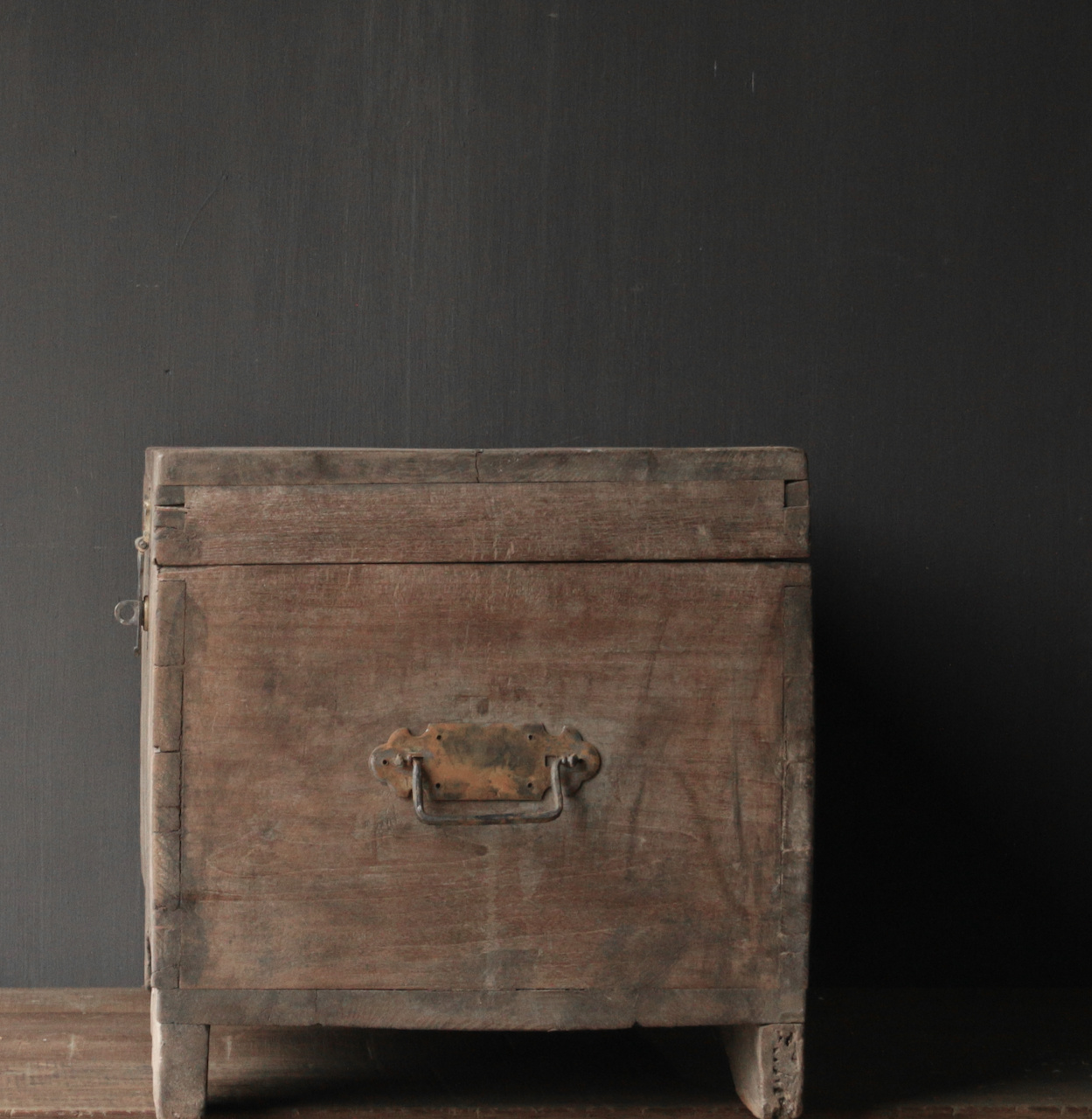 Oude Authentieke houten kist-7