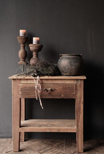 Robuster alter hölzerner Beistelltisch oder Wandtisch