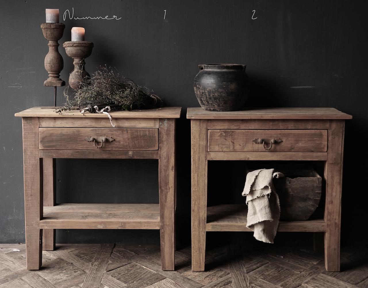 Stoer Robuust oud houten Sidetable oftewel muurtafel met een lade-2