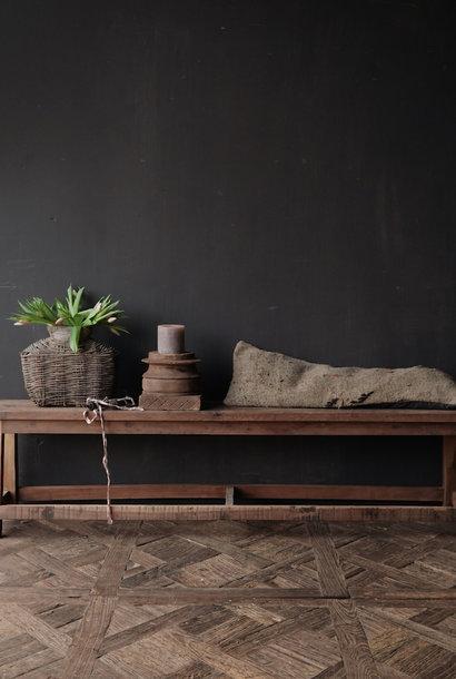 Bank gemaakt van oud hout