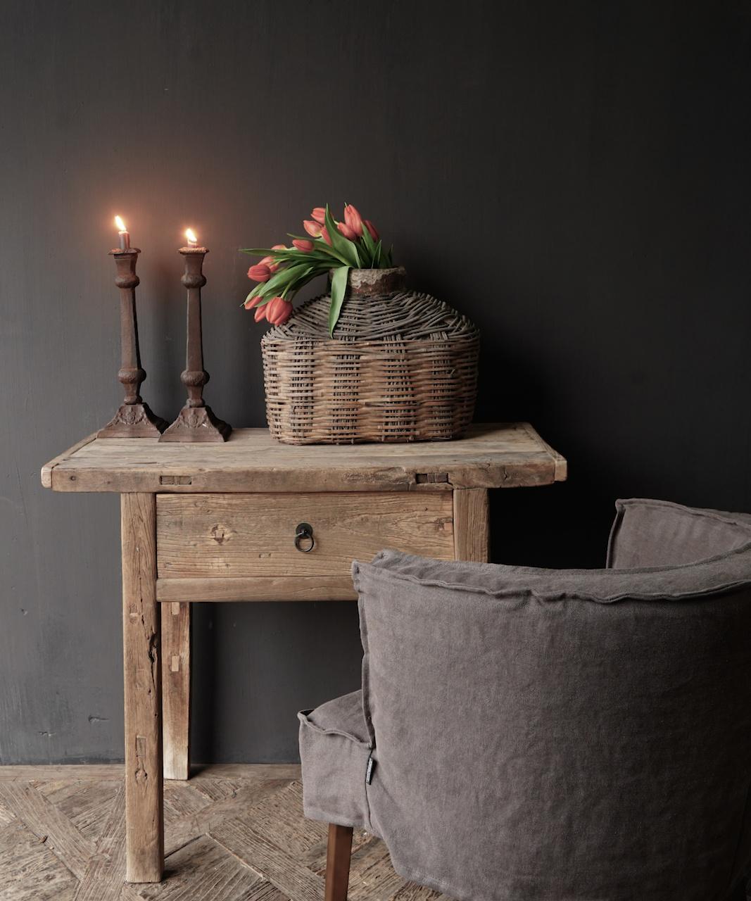 Alter Beistelltisch aus Stoer Elmwood / Ulmenholz Wandtisch mit Schublade-1