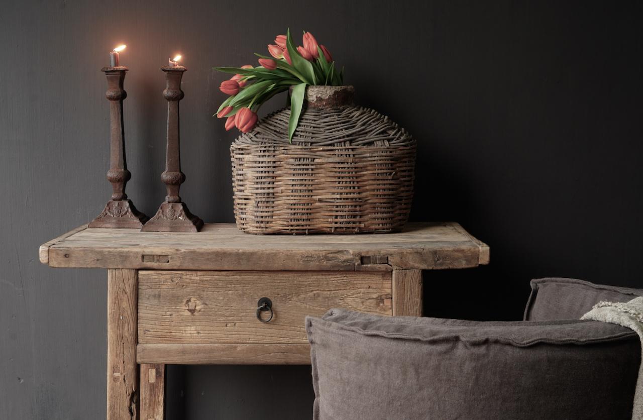 Alter Beistelltisch aus Stoer Elmwood / Ulmenholz Wandtisch mit Schublade-3