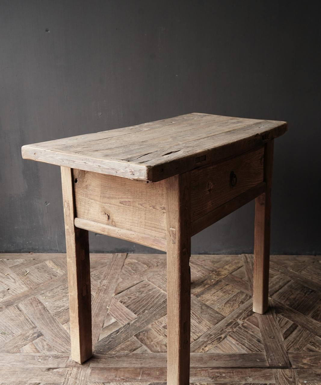 Alter Beistelltisch aus Stoer Elmwood / Ulmenholz Wandtisch mit Schublade-5