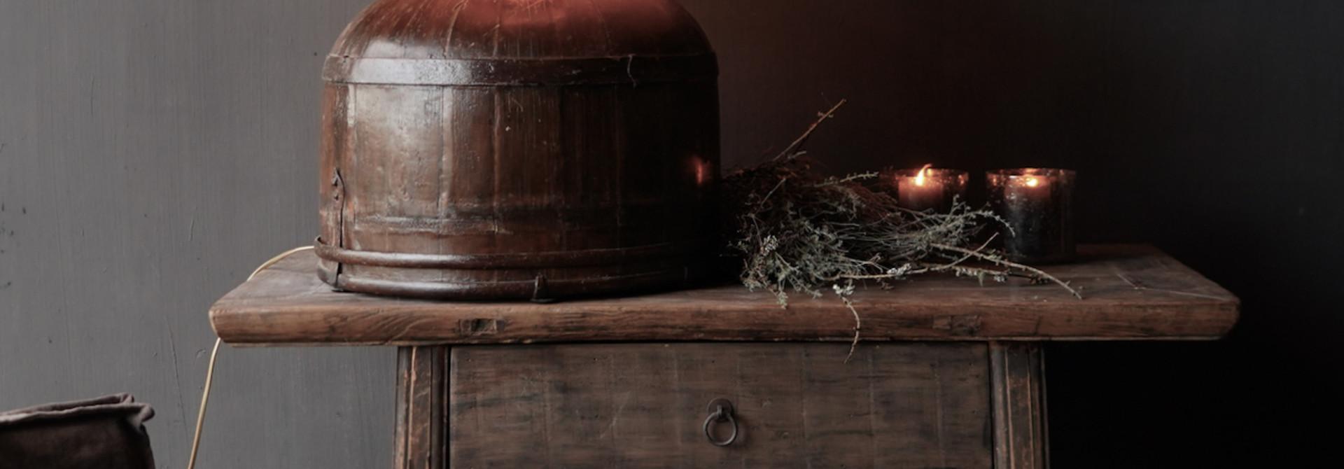 Tafel Lamp gemaakt van een oude authentieke Indische water Emmer