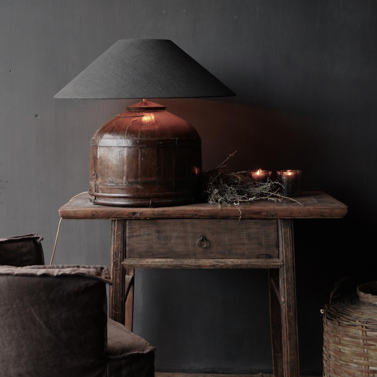 Tafel Lamp gemaakt van een oude authentieke Indische water Emmer-1