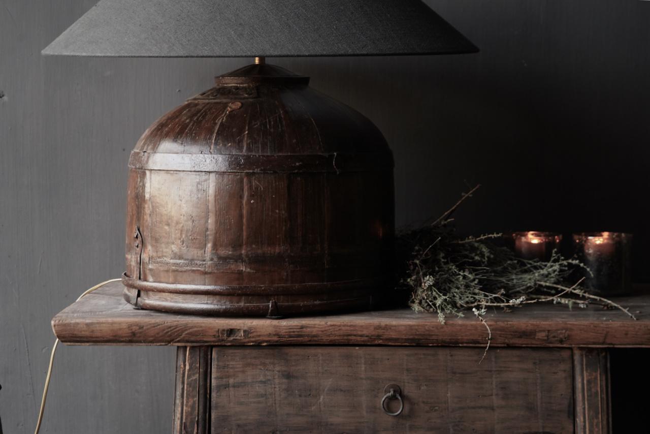 Tafel Lamp gemaakt van een oude authentieke Indische water Emmer-6