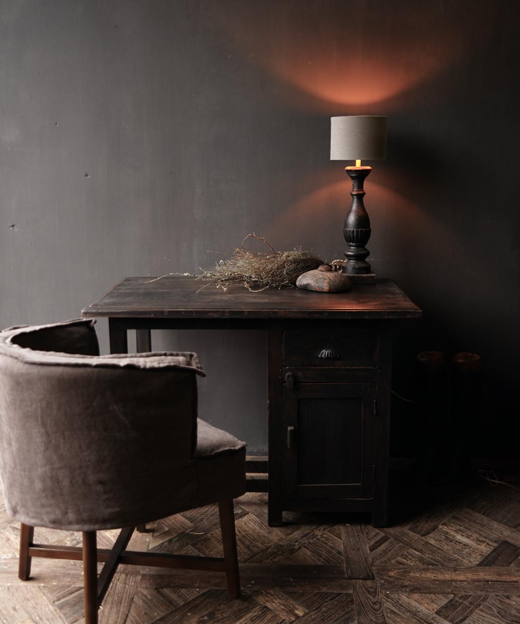 Authentischer alter Schreibtisch / Wandtisch mit Tür und Schublade-1
