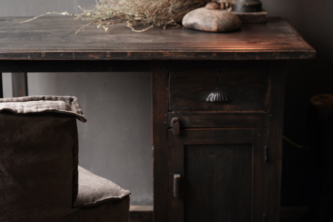 Authentischer alter Schreibtisch / Wandtisch mit Tür und Schublade-7