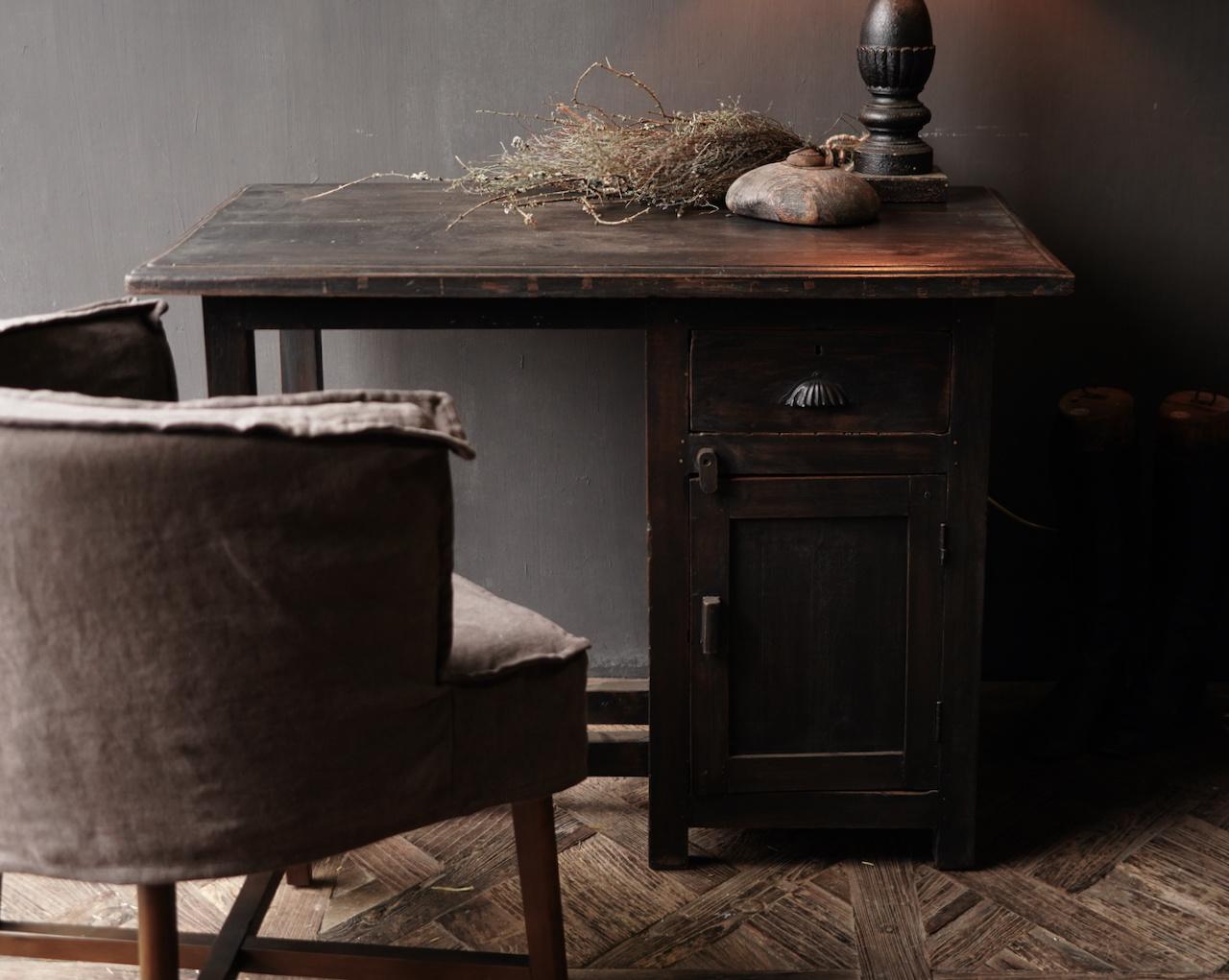 Authentischer alter Schreibtisch / Wandtisch mit Tür und Schublade-2
