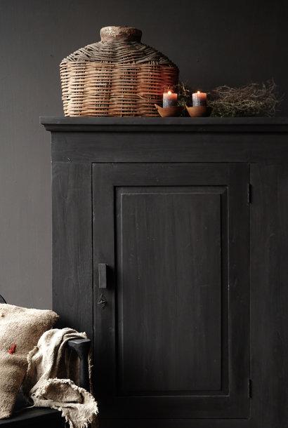 Stoer Landelijk  zwart oud houten kastje
