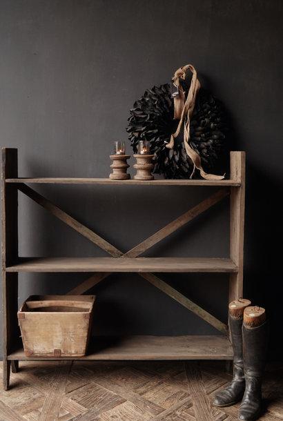 Rek gemaakt van oud gebruikt hout