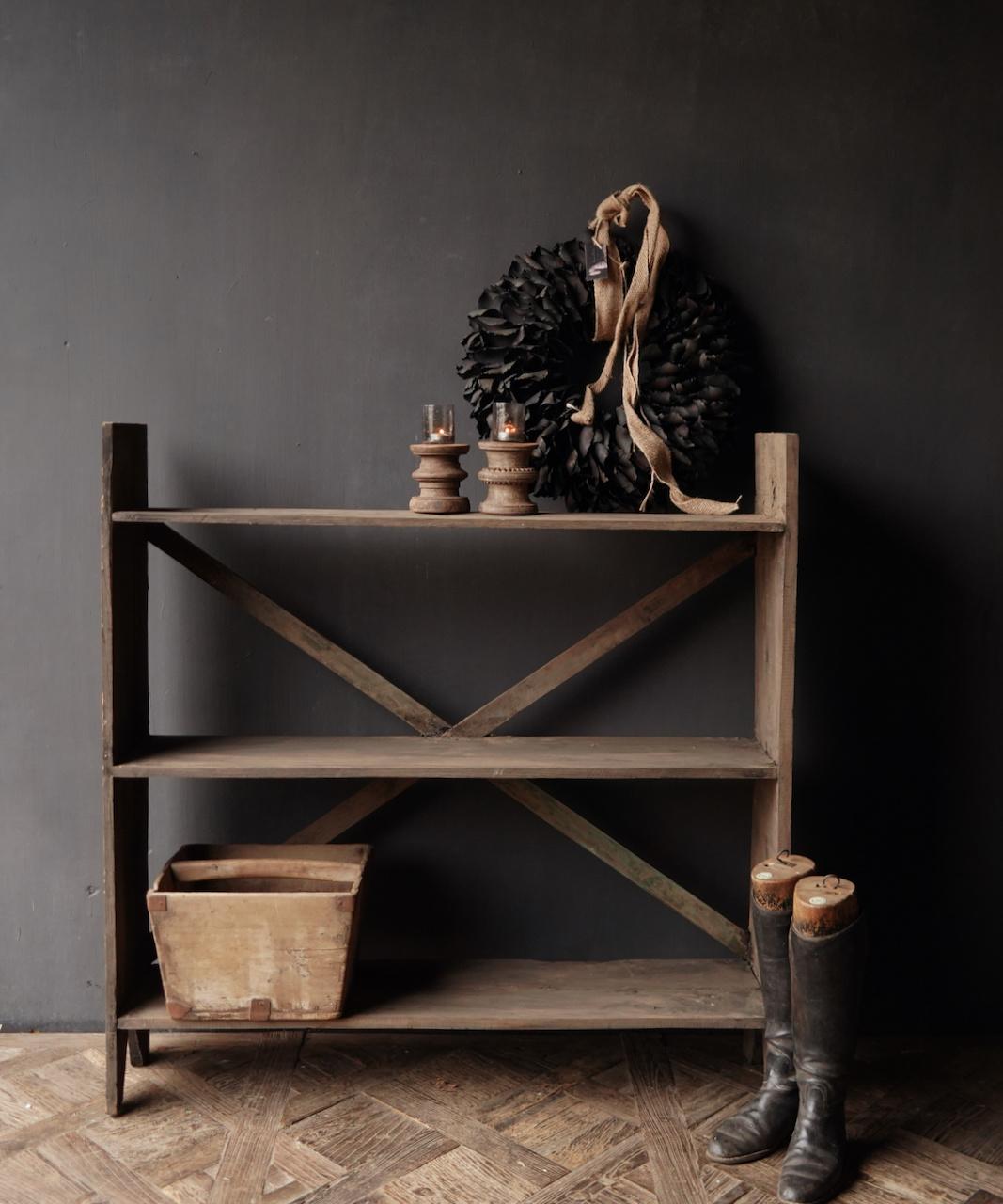 Gestell aus altem gebrauchtem Holz-1