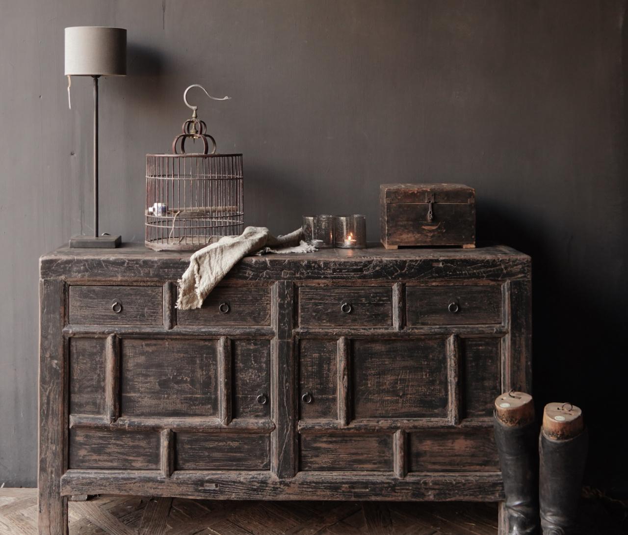 Oude Authentieke Zwart/Bruin  Dressoir met  twee deuren en vier lades-2