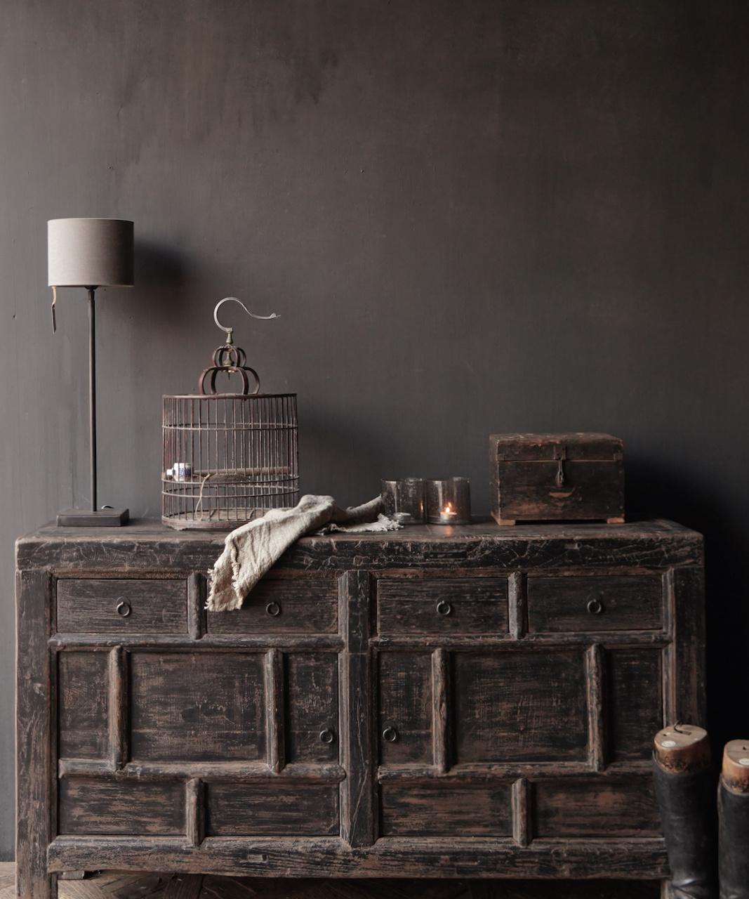 Oude Authentieke Zwart/Bruin  Dressoir met  twee deuren en vier lades-1