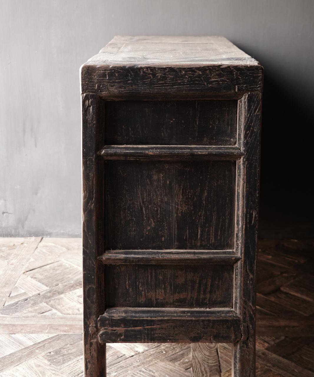 Oude Authentieke Zwart/Bruin  Dressoir met  twee deuren en vier lades-4