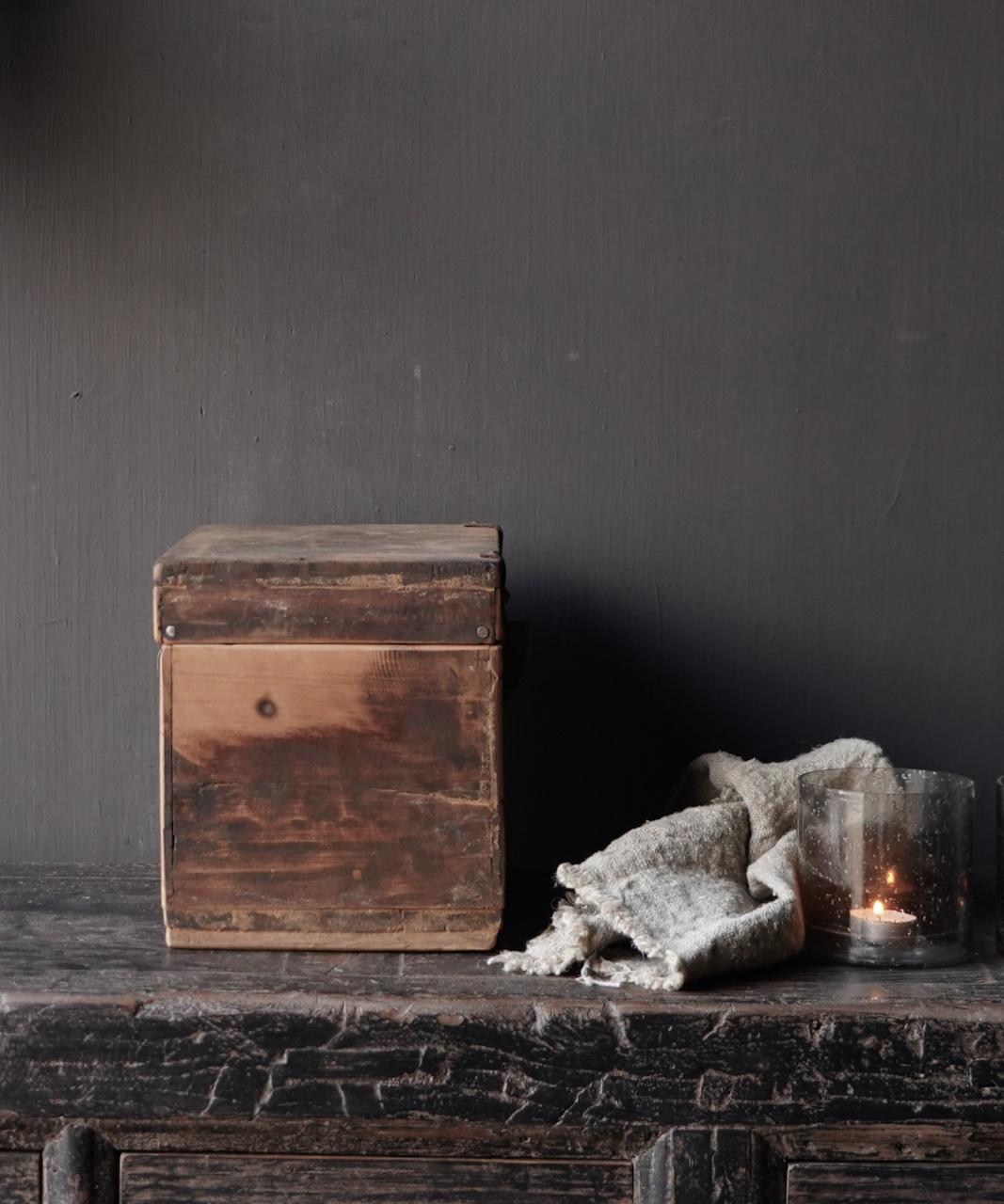 Old Unique Authentic wooden box-2