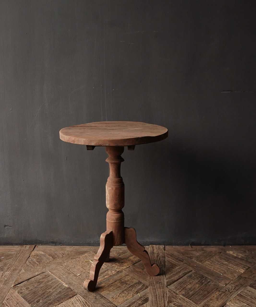 Old wooden wine table-3