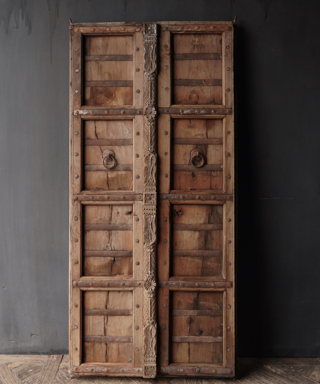 Alte indische Türen gesetzt-1