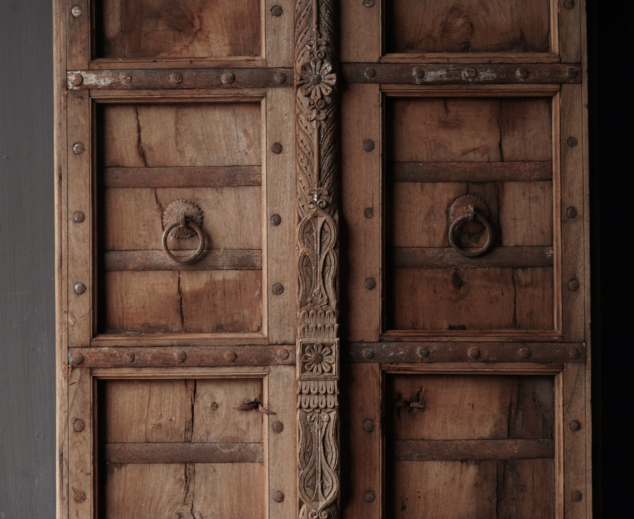 Alte indische Türen gesetzt-2