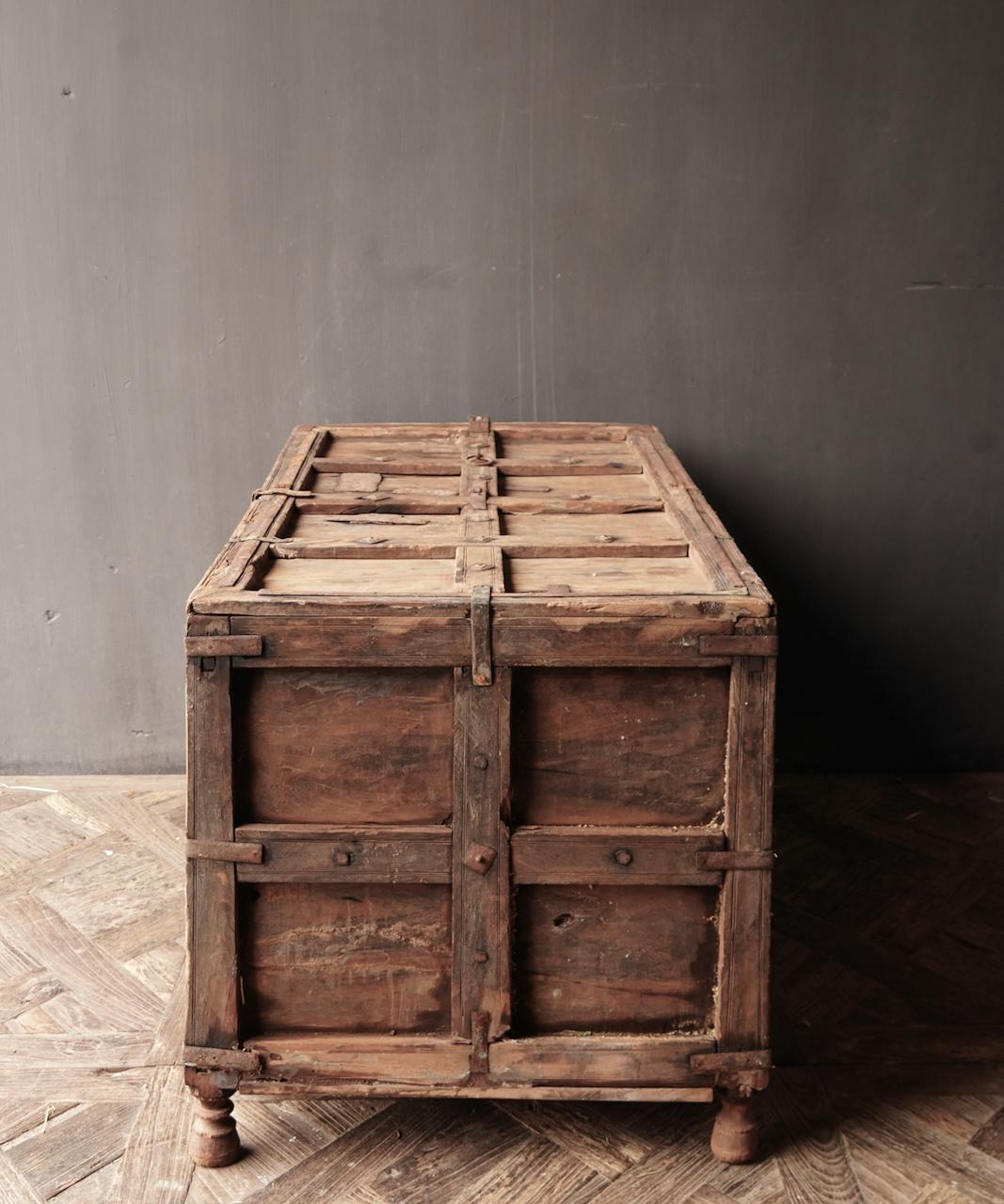 Oude Authentieke houten kist-3