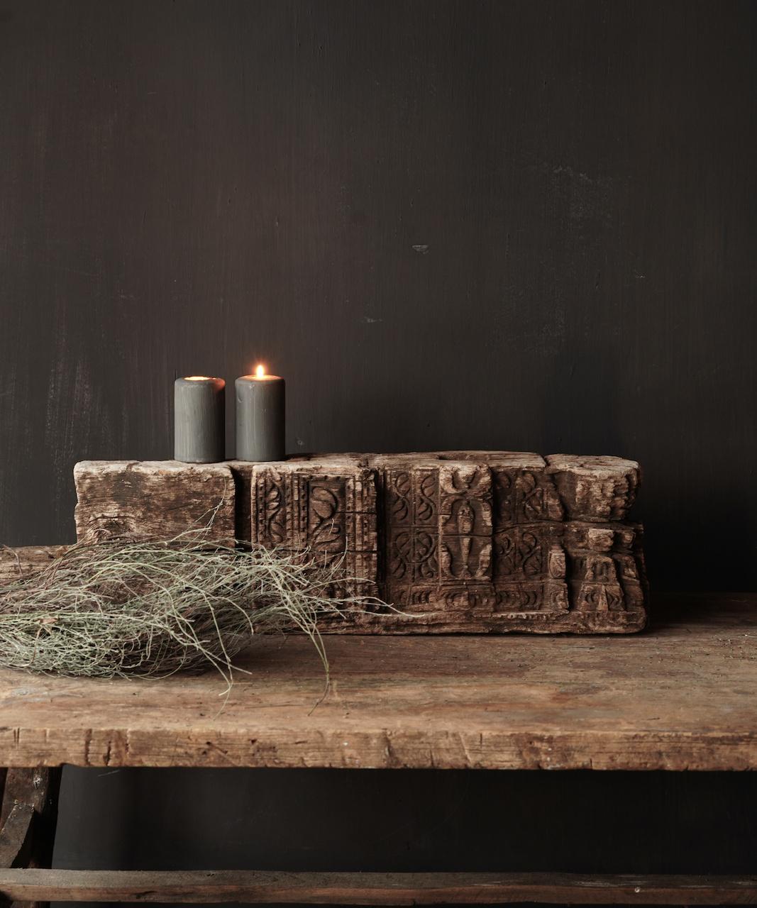 Uniek oud Stoer  houten ornament-1