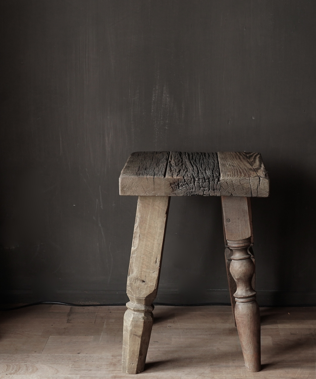 Uniek vierkant stoer robuust houten bijzet tafeltje met verschillende poten-3