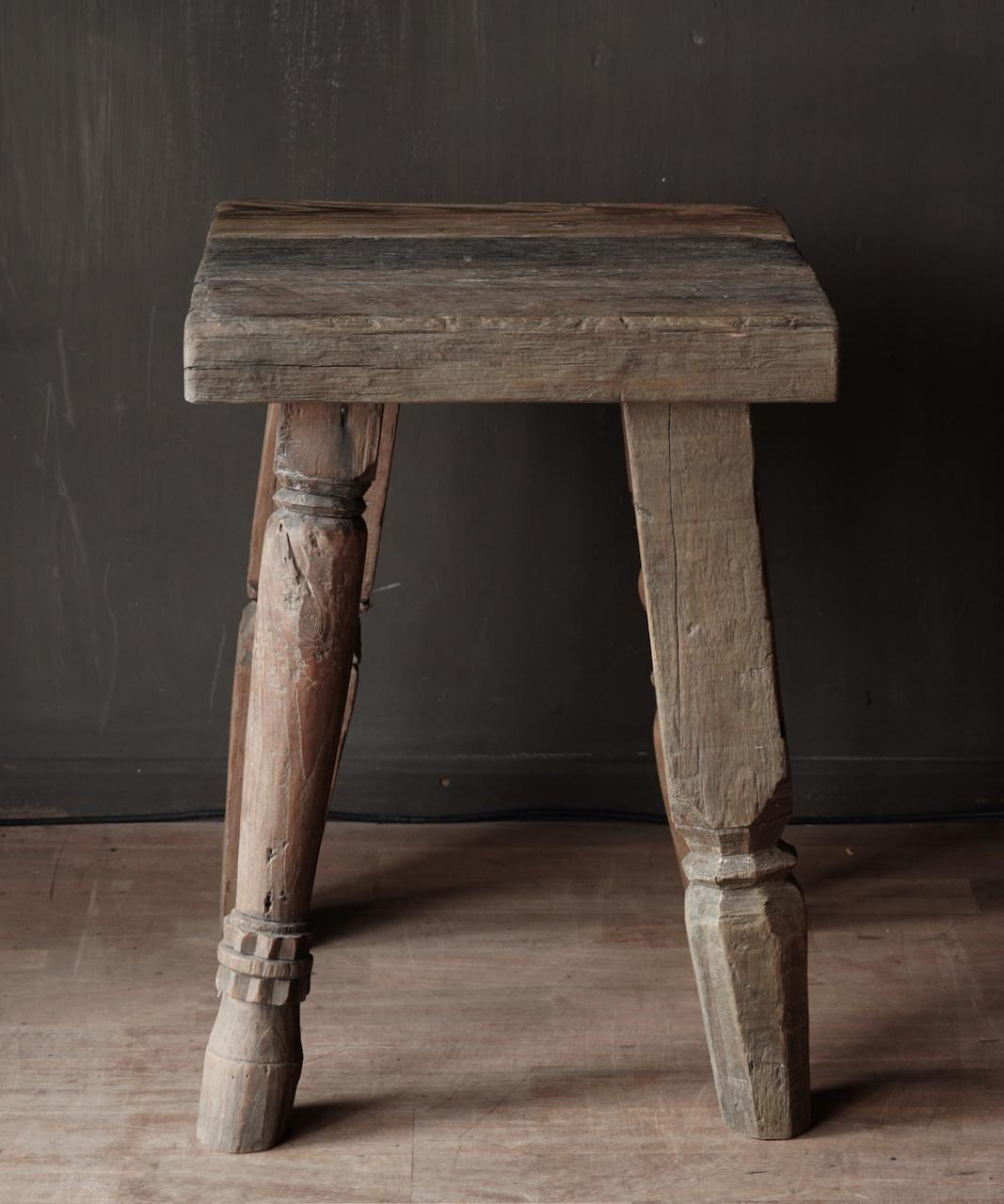 Uniek vierkant stoer robuust houten bijzet tafeltje met verschillende poten-2