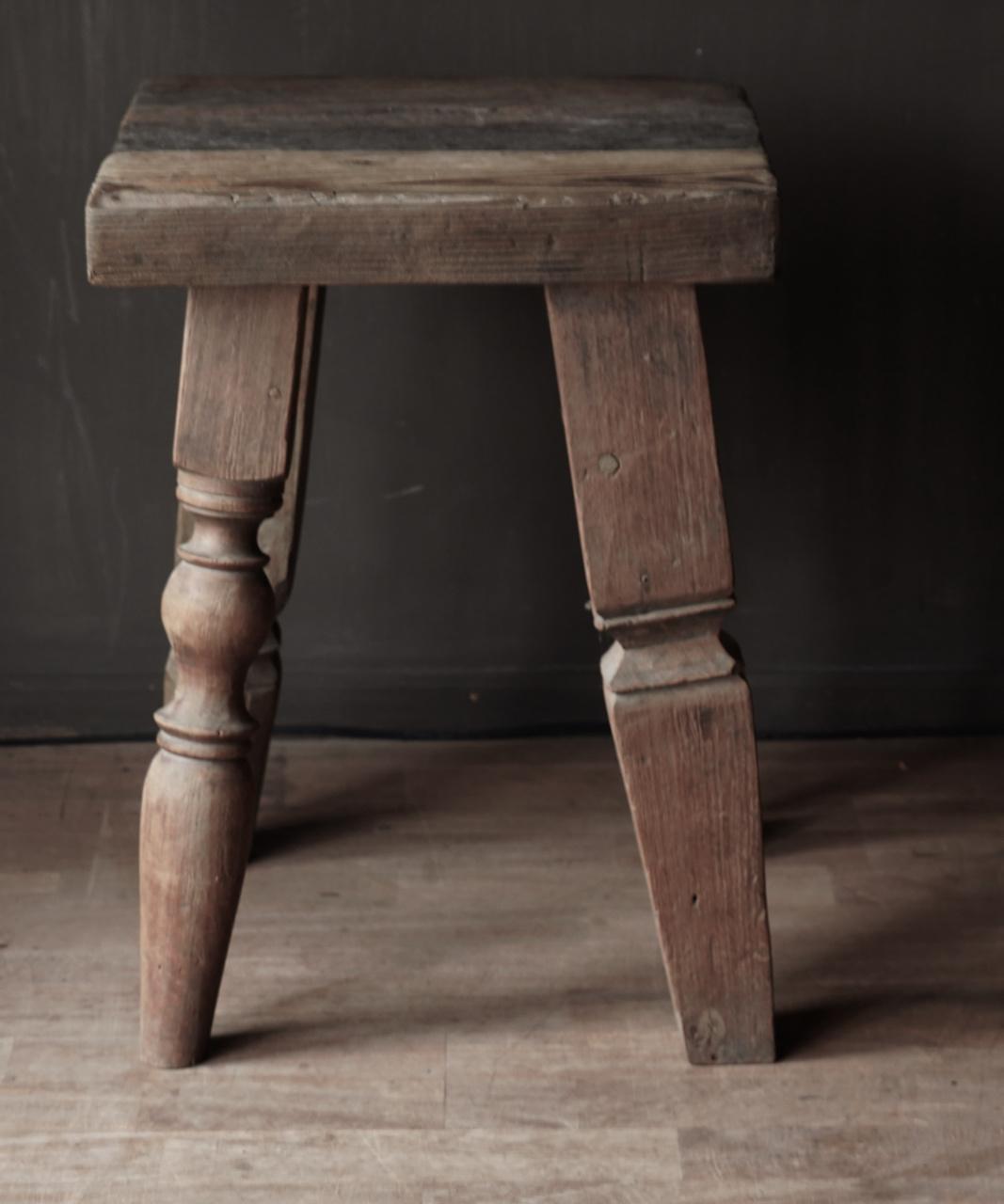 Uniek vierkant stoer robuust houten bijzet tafeltje met verschillende poten-7