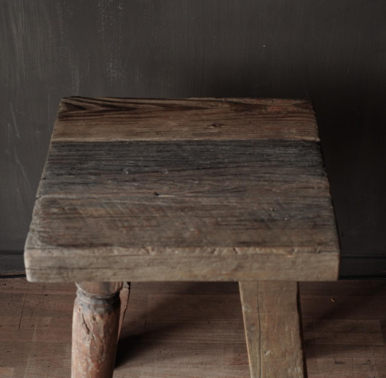 Uniek vierkant stoer robuust houten bijzet tafeltje met verschillende poten-9