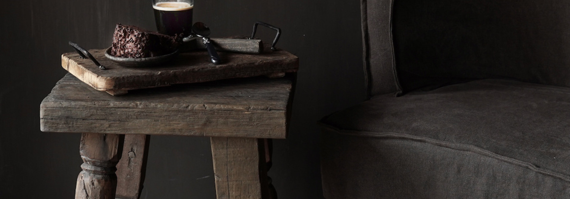 Uniek vierkant stoer robuust houten bijzet tafeltje met verschillende poten