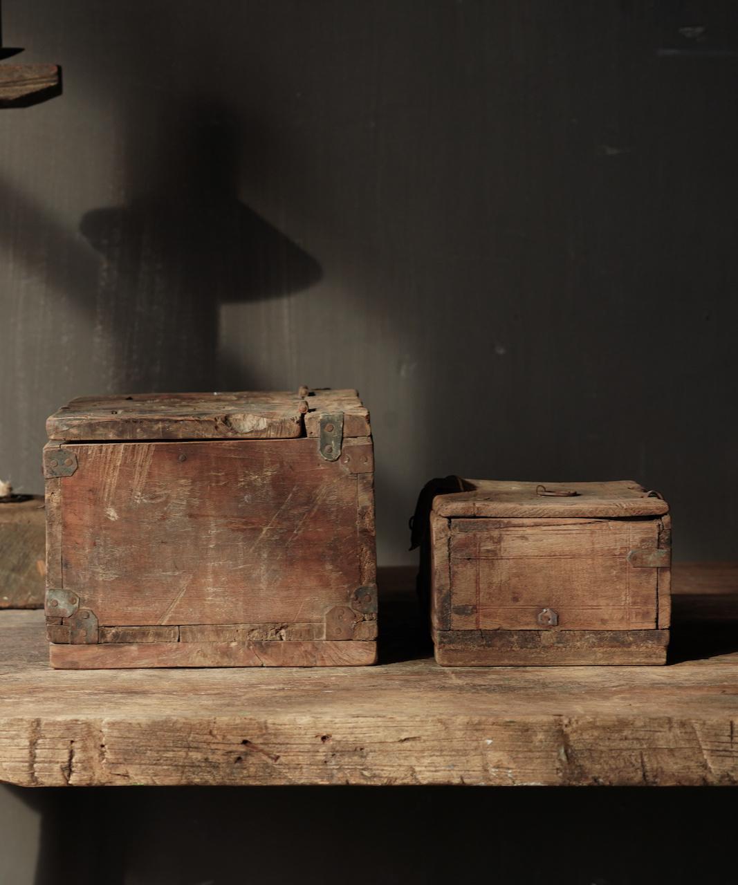 Oude Authentieke houten kistje-8
