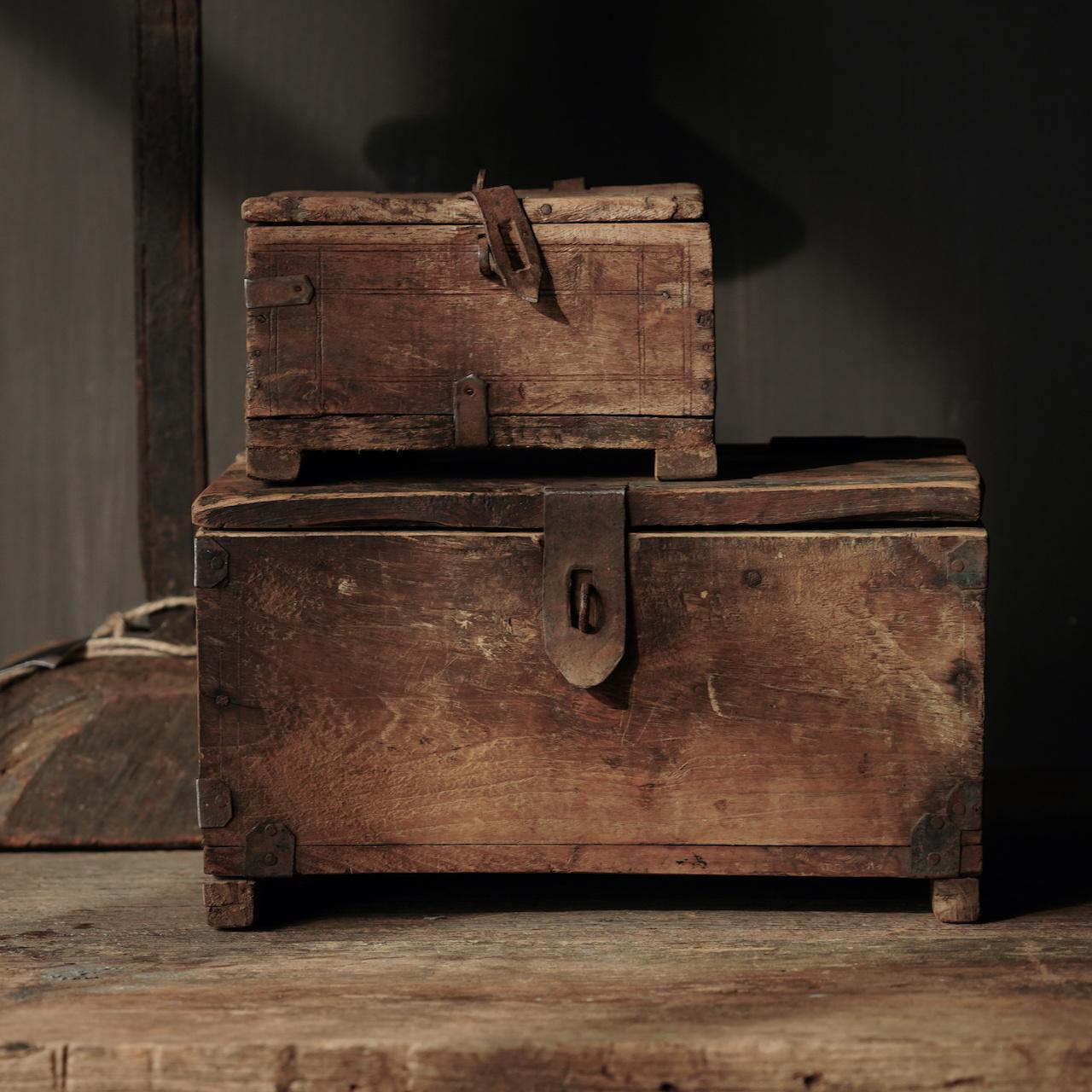 Oude Authentieke houten kistje-9