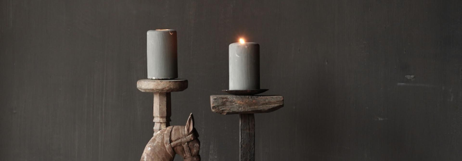 Holzpferd handgefertigt aus altem Holz
