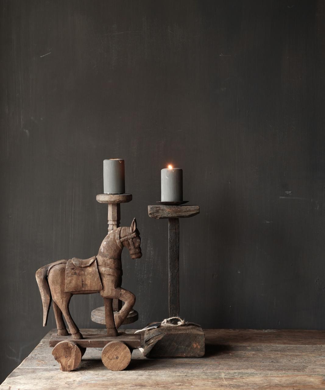 Holzpferd handgefertigt aus altem Holz-1