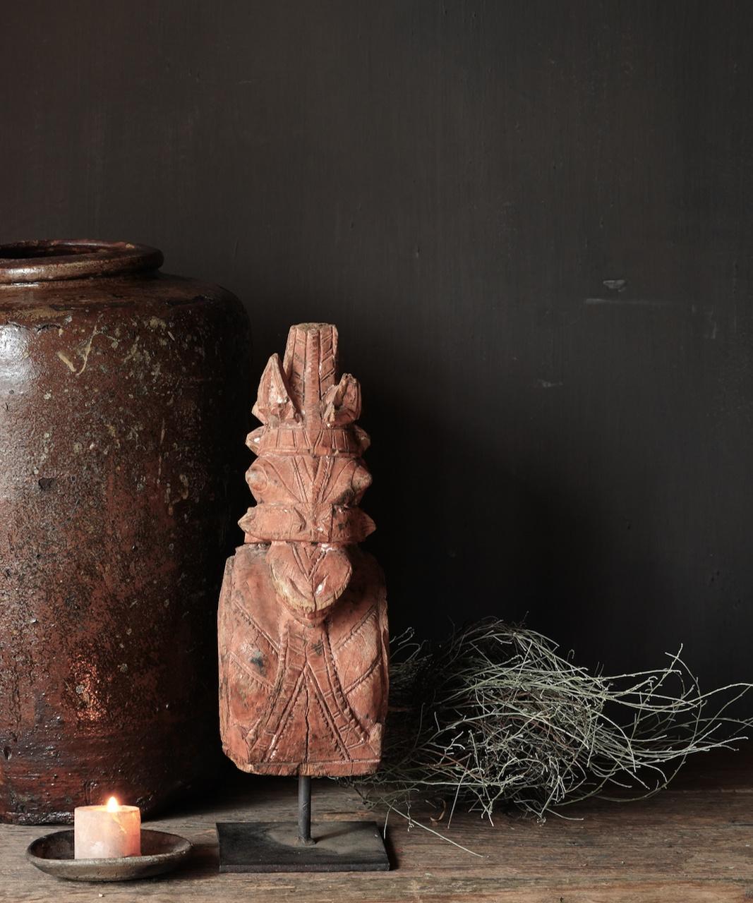 Uniek Authentiek  oud houten paard op ijzeren statief-2