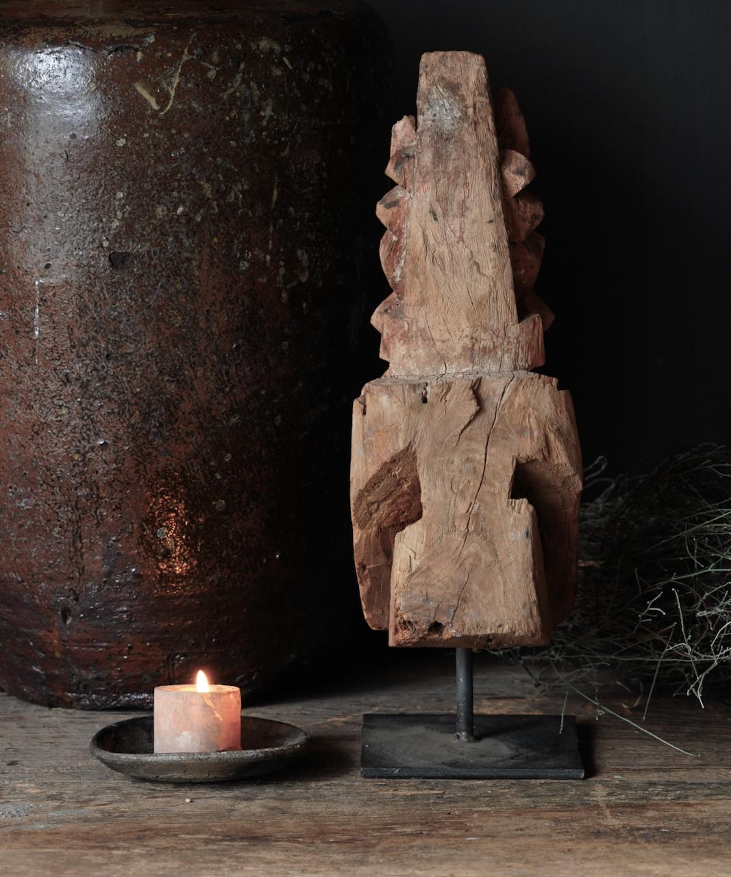 Uniek Authentiek  oud houten paard op ijzeren statief-3