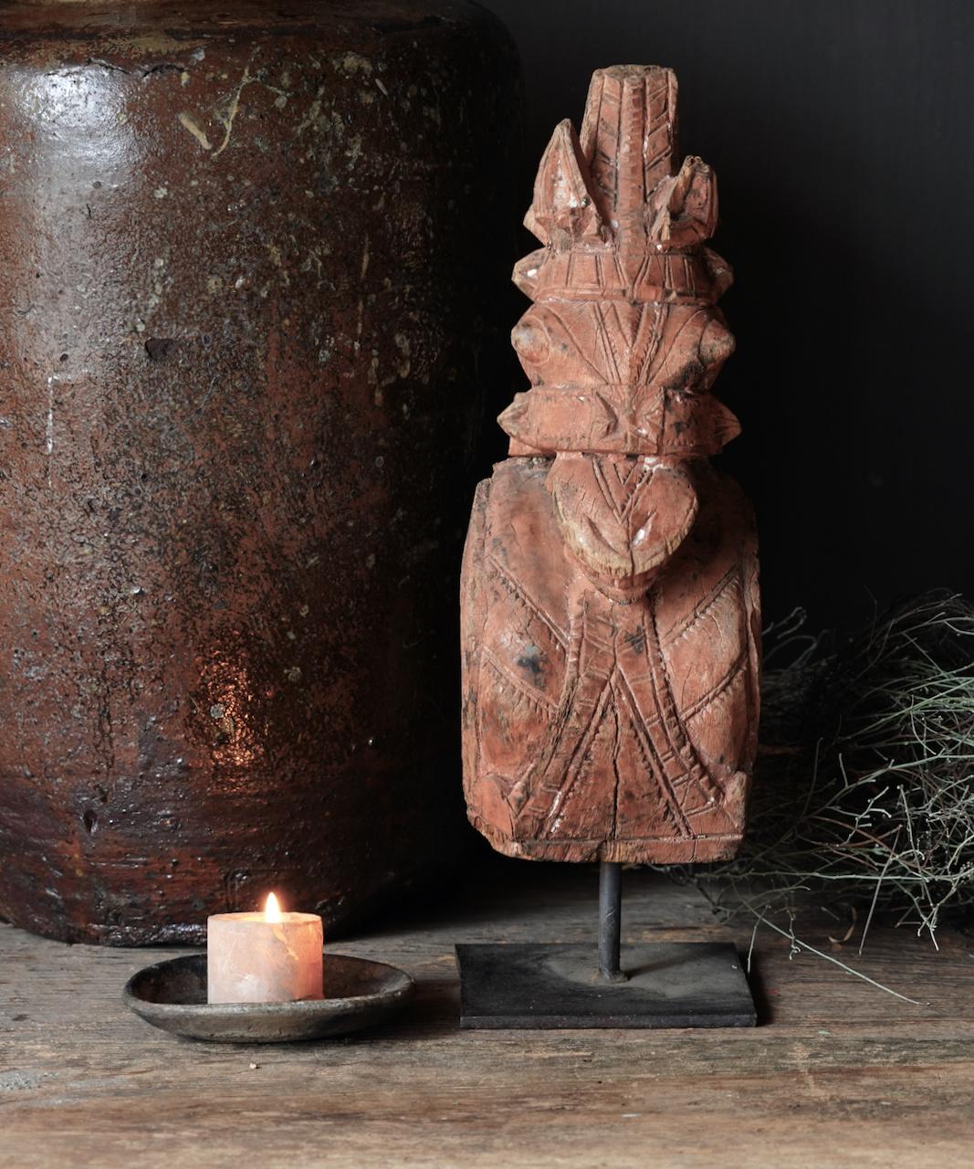 Uniek Authentiek  oud houten paard op ijzeren statief-6