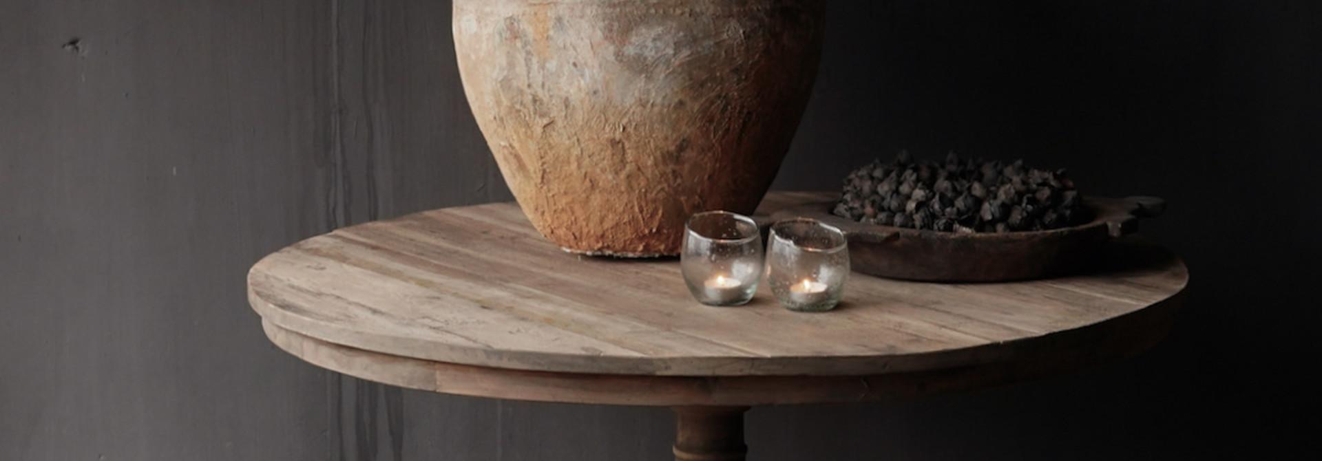 Cooler runder Tisch aus altem gebrauchtem Holz - Kopie