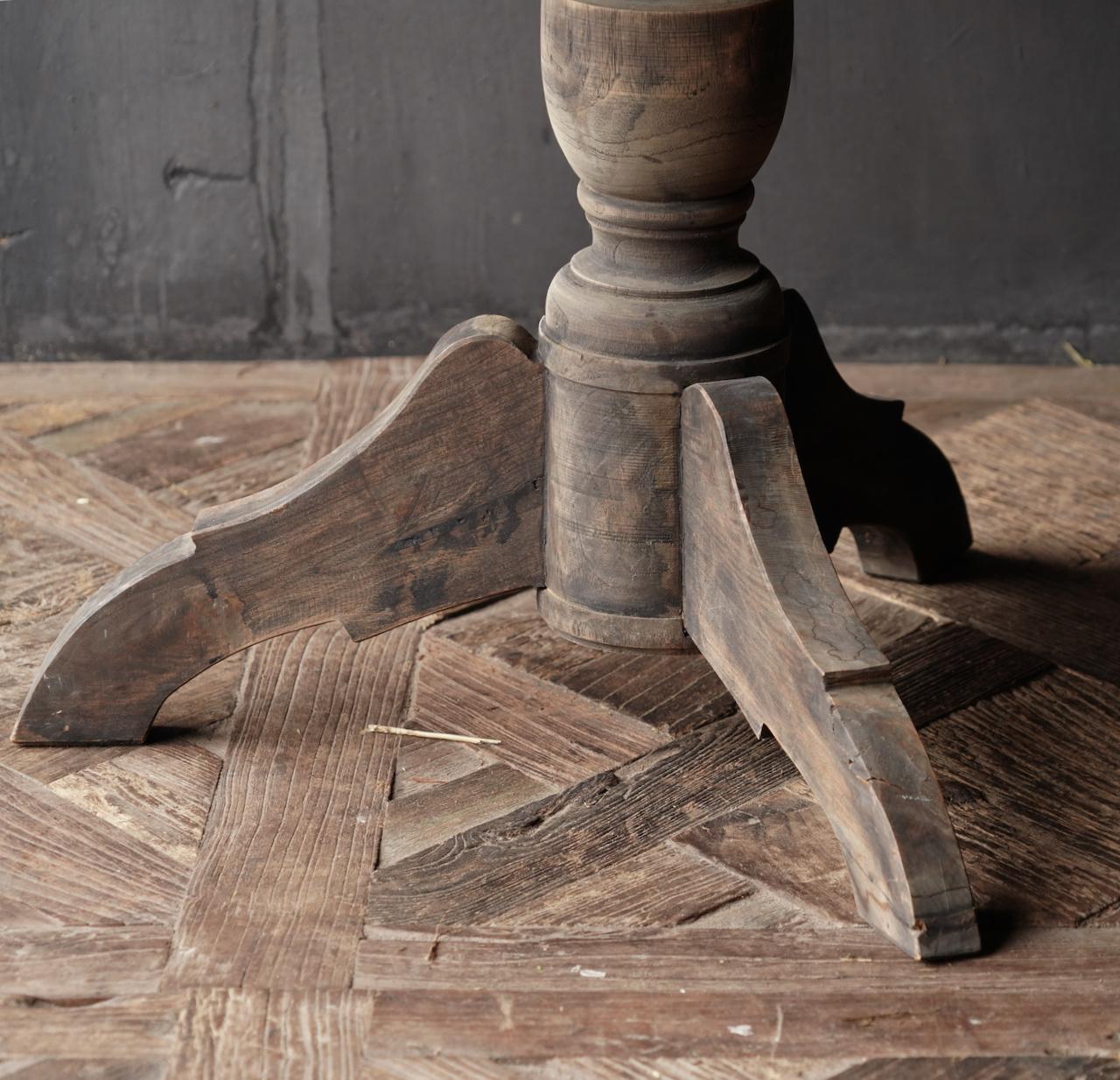Cooler runder Tisch aus altem gebrauchtem Holz - Kopie-4