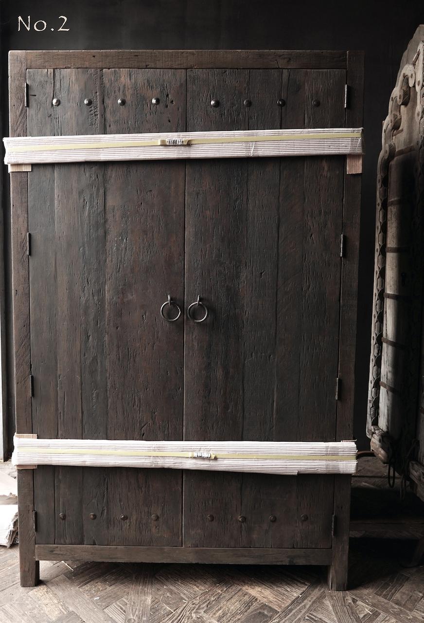 Robust rural Farmers two-door cupboard-5