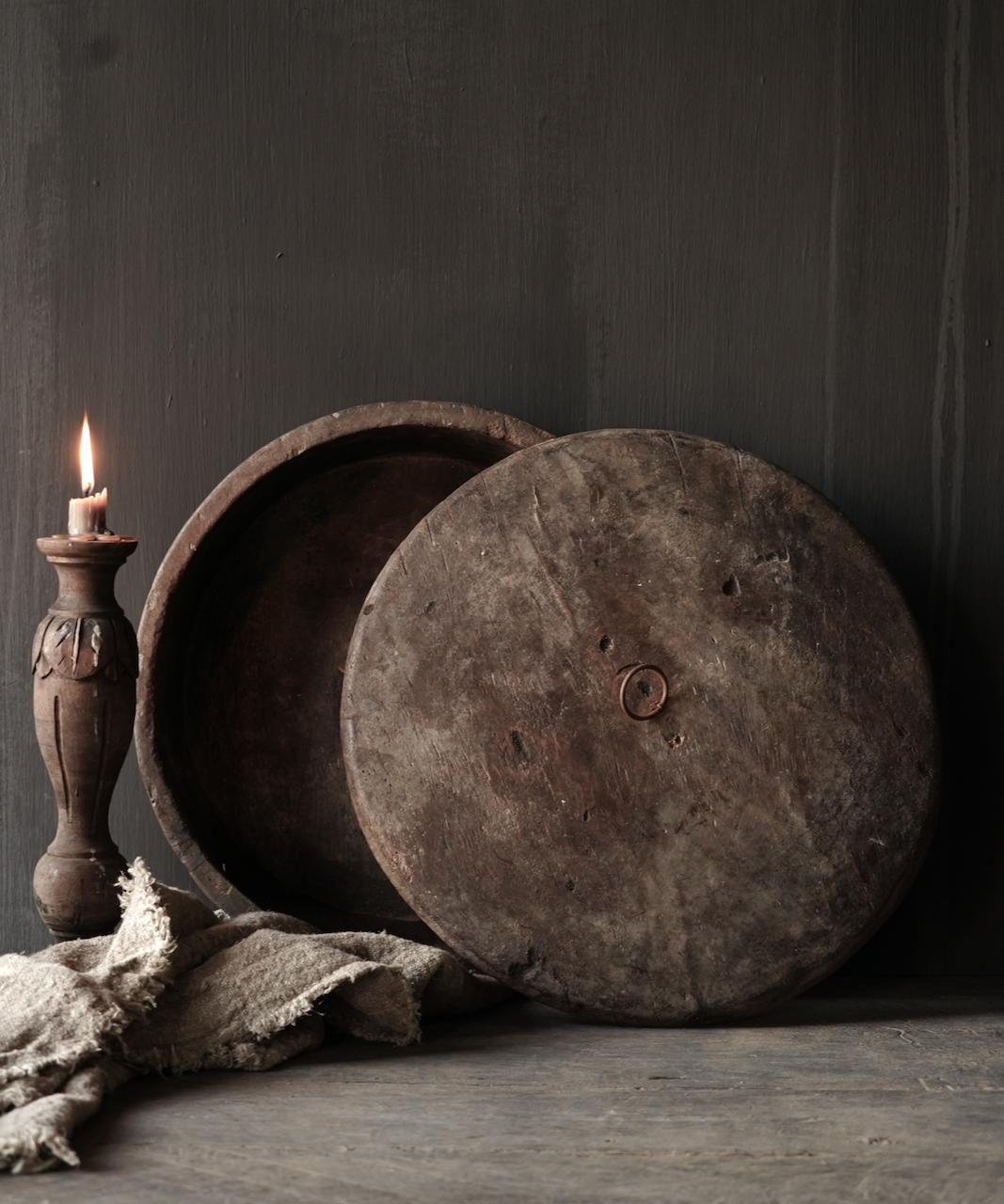 Große flache alte authentische Holzschale mit Deckel-3