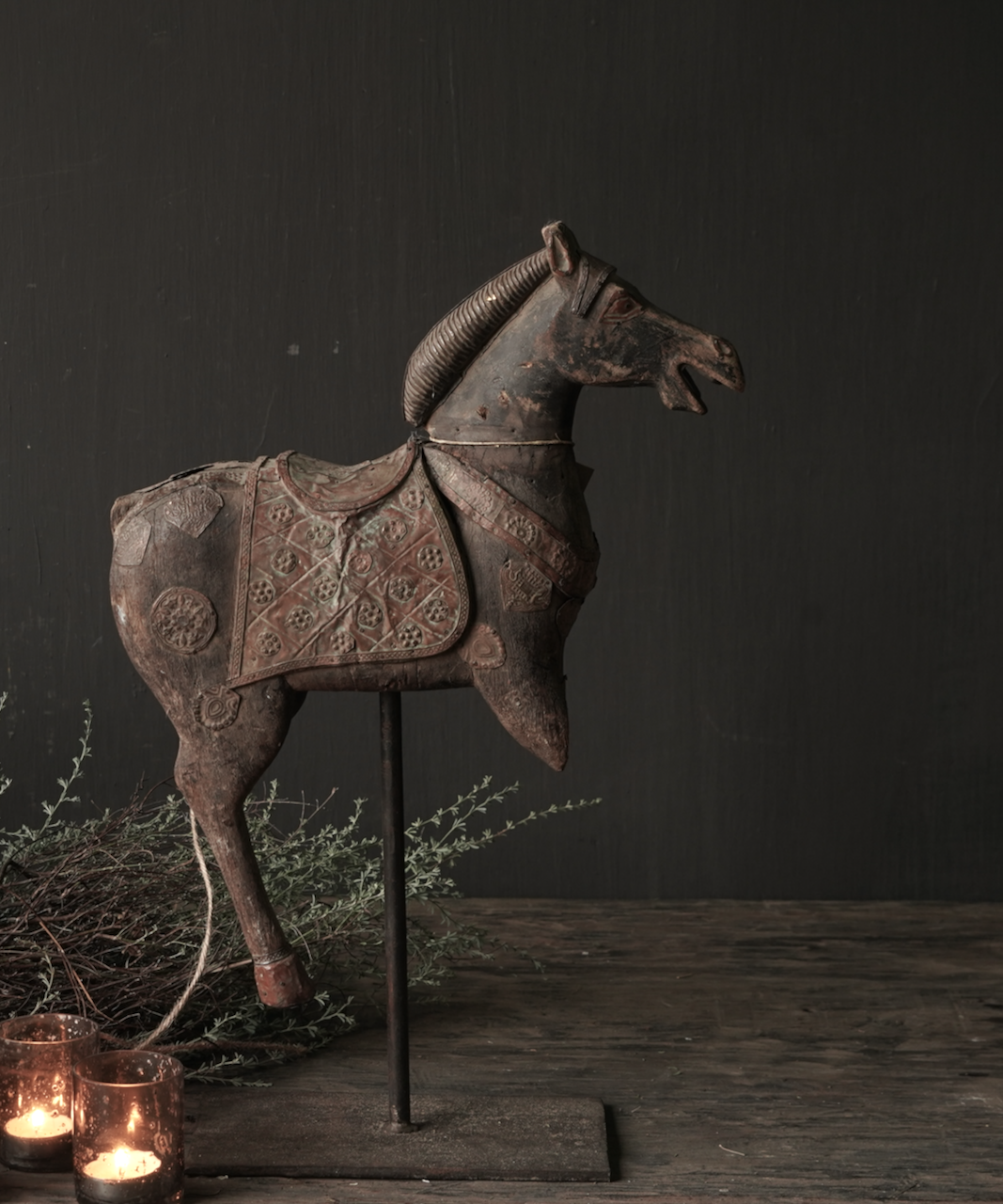 Beautiful old wooden horse on a wooden tripod-3